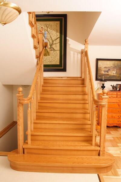 piękne schody z drewna