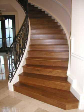 schody kręte wewnętrzne